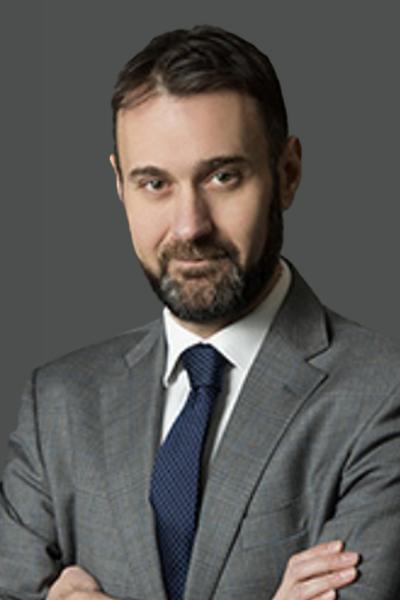 Simone Roati - il Responsabile dell'Area Organizzazione, Amministrazione, Pianificazione SGR e Affari Generali di BLUE SGR.